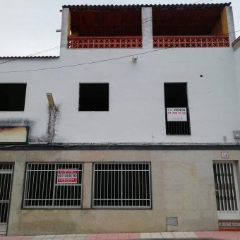CASA CON LOCAL EN TORREORGAZ